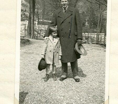 Zwack Péter a Minerva utcában édesapjával